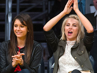 Julianne Hough Enjoys Hoop Time with Girlfriends After Split | Julianne Hough, Kaley Cuoco, Nina Dobrev