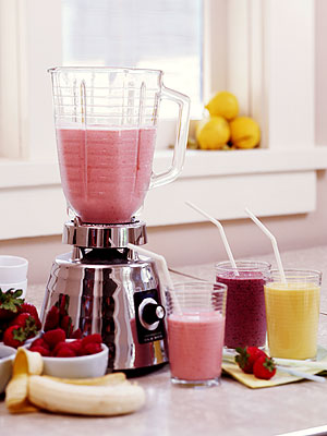 Harley Pasternak Blogs About the Surprising Benefits of Smoothies| Celebrity Blog, Harley Pasternak