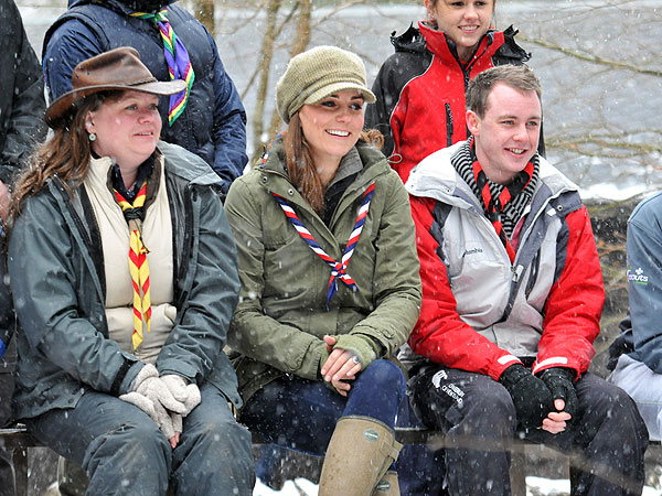 kate middleton 600 Kate Joins the Cub Scouts   for a Training Session