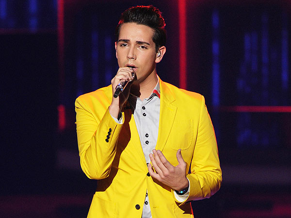 American Idol: Lazaro Arbos Flubs Lyrics Again