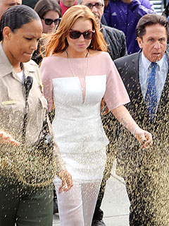 PHOTO: Lindsay Lohan Arrives Late to Court Showered in Glitter | Lindsay Lohan