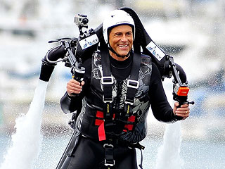 PHOTO: Rob Lowe Straps On a Jetpack and Goes Flying! | Rob Lowe