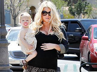 Pregnant Jessica Simpson Steps Out with Baby Maxwell | Jessica Simpson