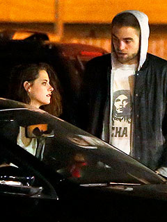 Kristen in 'Terrible Mood,' Surrounded by Friends After Breakup with Rob | Kristen Stewart, Robert Pattinson