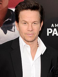 Mark Wahlberg Braces for Rebel Wilson&#39;s MTV Barbs | Mark Wahlberg
