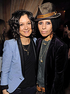 Sara Gilbert Is Engaged to Linda Perry | Sara Gilbert