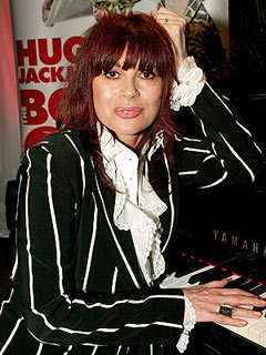 Chrissy Amphlett, Divinyls Lead Singer, Dies at 53