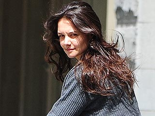 Suri Cruise&#39;s Day of Pampering in N.Y.C. | Katie Holmes