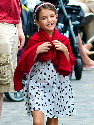Suri Cruise Breaks Her Arm