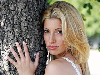 PHOTO: See Lost Actress Tania Raymonde as Jodi Arias in TV Movie