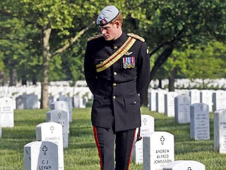 Prince Harry Praises His &#39;Comrades-in-Arms&#39; at Arlington National Cemetery | Prince Harry