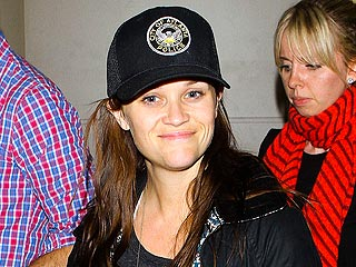 Is This Reese Witherspoon Making Peace with Atlanta Police? | Reese Witherspoon