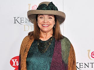 Valerie Harper Was &#39;Feeling Good&#39; &#8211; and Rocking a Hat! &#8211; at Kentucky Derby | Valerie Harper