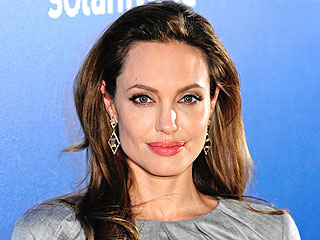Angelina: Getting Double Mastectomy Was the 'Right Thing to Do For Our Family' | Angelina Jolie