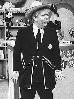 Captain Kangaroo&#39;s Iconic Jacket Goes Up for Auction