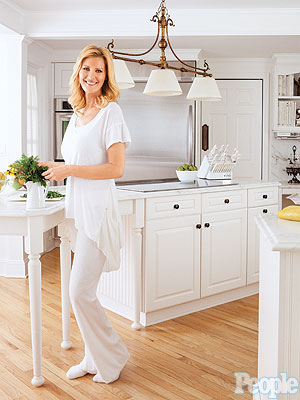 Sandra Lee and Gov. Andrew Cuomo Have Family Dinners at Home