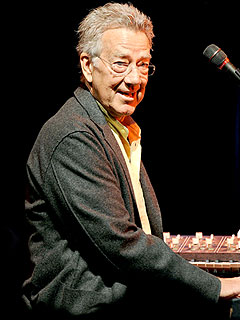 Doors Founding Member Ray Manzarek Dies of Cancer