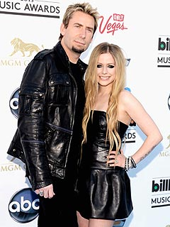 PHOTO: Avril & Chad Make Perfect Match in Black Leather at Billboard Music Awards | Avril Lavigne, Chad Kroeger