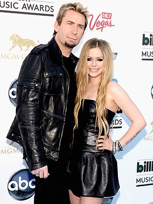 Avril Lavigne & Chad Kroeger Walk Red Carpet at 2013 Billboard Music Awards