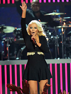 Wow! Christina Aguilera Shows Off Sexy – Slim – Figure at Billboard Awards | Christina Aguilera