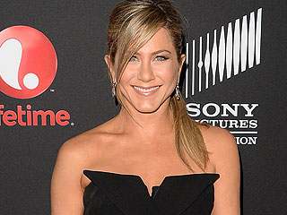 How Jennifer Aniston Got in Stripper Shape for We're the Millers