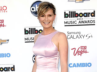 Wow! See New Mom Jennifer Nettles's Red Carpet Return | Jennifer Nettles