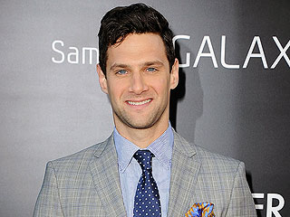 Justin Bartha: What It's Like Beat Boxing with Bradley Cooper | Justin Bartha