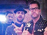 Justin Theroux Enjoys a Night Out with Guy Pals in N.Y.C.
