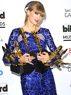 Taylor Swift Cleans Up at Billboard Awards | Taylor Swift