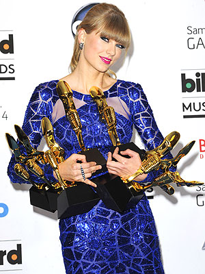 Taylor Swift Wins 8 Billboard Awards