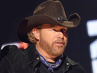 Toby Keith, Blake Shelton and More Send Messages of Support for Oklahoma