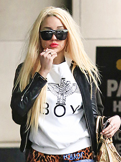 Amanda Bynes Tweets Again, Accuses NYPD Officer of Sexual Harassment | Amanda Bynes