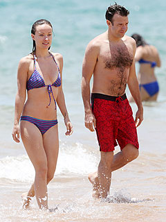Bikini-Clad Olivia Wilde Frolics in Hawaii with Fiancé Jason Sudeikis | Jason Sudeikis, Olivia Wilde