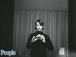 PHOTO FLASHBACK: Ringo Starr Shares a Vintage 'Selfie' | Ringo Starr