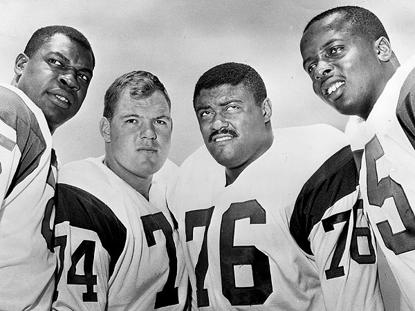 Deacon Jones, of Fearsome Foursome, Is Dead at 74| Death, Tributes