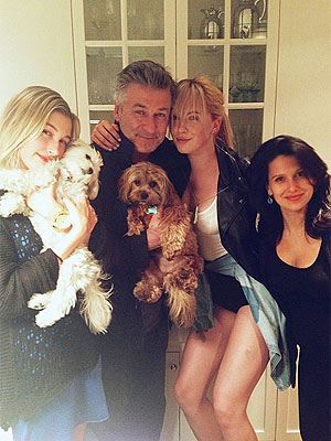 Ireland Baldwin, Hailey Baldwin Share Pictures on Twitter, Vine