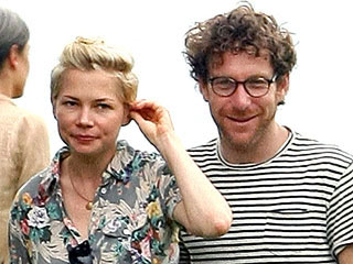 New Couple Alert? Michelle Williams Gets Cozy with Artist Dustin Yellin | Michelle Williams