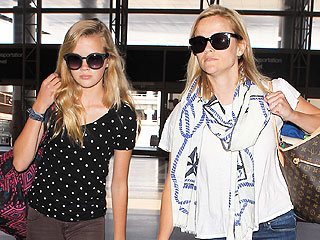 PHOTO: Who's Who? Reese Witherspoon & Daughter Ava Phillippe Look Identical | Reese Witherspoon