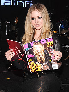 Avril Lavigne 'Enjoying Every Minute' of Wedding Planning | Avril Lavigne