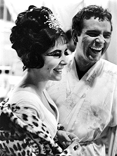 Check Out Never-Before-Seen Photos of Liz Taylor & Richard Burton in Cleopatra