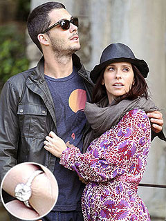 Jennifer Love Hewitt Shows Off Baby Bump and Engagement Ring in Italy | Brian Hallisay, Jennifer Love Hewitt