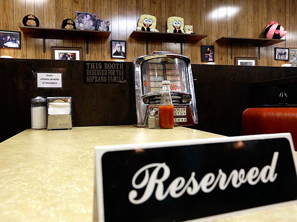 Restaurant Where James Gandolfini Filmed Final Sopranos Scene Keeps Booth 'Reserved'