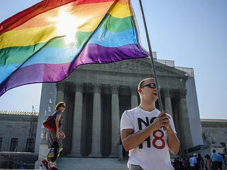 Top 10 Celebrity Tweets About Same-Sex Marriage, DOMA and Prop 8