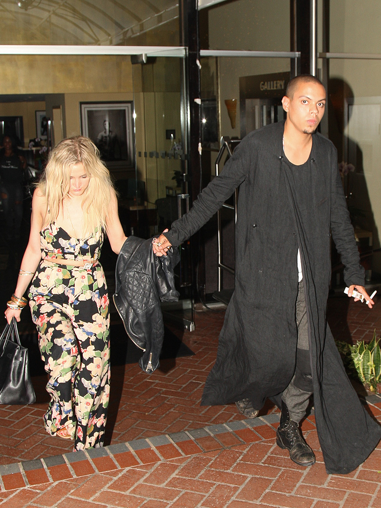 Ashlee Simpson couple