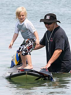 PHOTO: Aww! Gwen Stefani's 4-Year-Old Learns How to Surf | Gwen Stefani, Zuma Rossdale