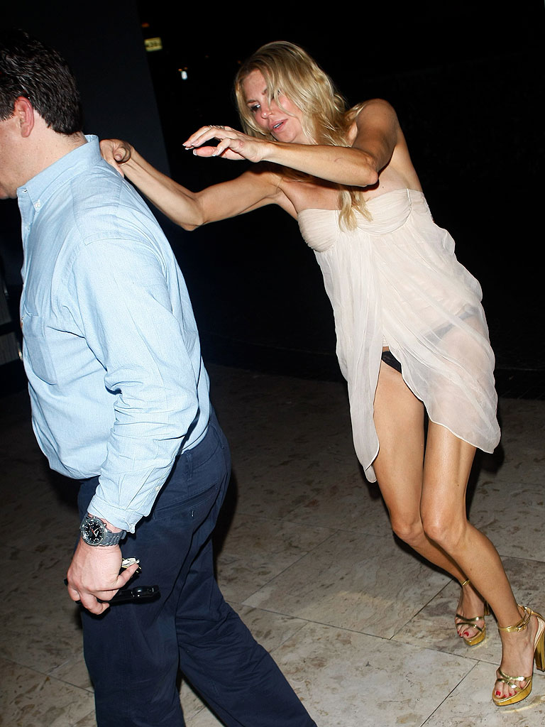 Brandi Glanville Breaks Her Hand Days After Drunken Wardrobe ...