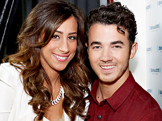 Kevin and Danielle Jonas Expect a Baby – & Get Reader Love