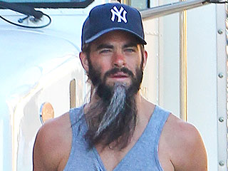 PHOTO: Chris Pine Finds Himself in a Hairy Situation On Set   Chris Pine