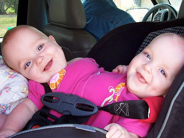 Darla and Jeff Garrison Give Formerly Conjoined Twins and Their Sister a New Life| Heroes Among Us, Good Deeds, Real People Stories, Real Heroes