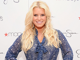 Jessica Simpson's First Tweet Since Giving Birth – & It's Hilarious | Jessica Simpson